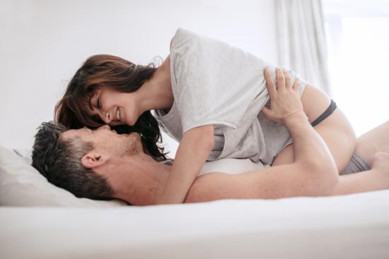 シルデナフィルは女性の膣分泌液を増やしクリトリスを勃起させる
