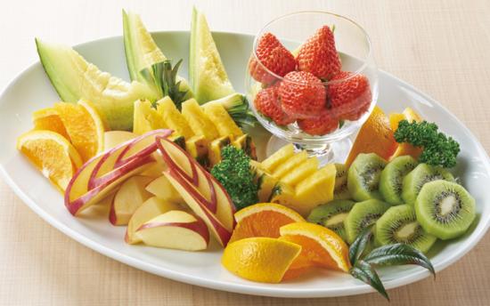 ゼリーは各種フルーツ味でストロベリーは甘苦い