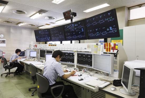 日本の規則正しい時間や鉄道は世界のお手本!精密機器のようですね。