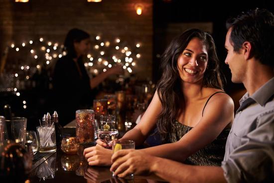 お酒と女性はバイアグラと切り離せない。大量の飲酒は注意!